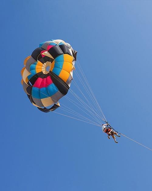 JustWravel parasailing