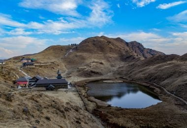 Trek to Parashar Lake on New Year