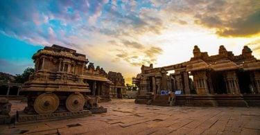 भारत के प्राचीन नगर के समृद्धशाली सभ्यता की झलक,  हम्पी यूनेस्को की विश्व धरोहर स्थल में से एक - Justwravel