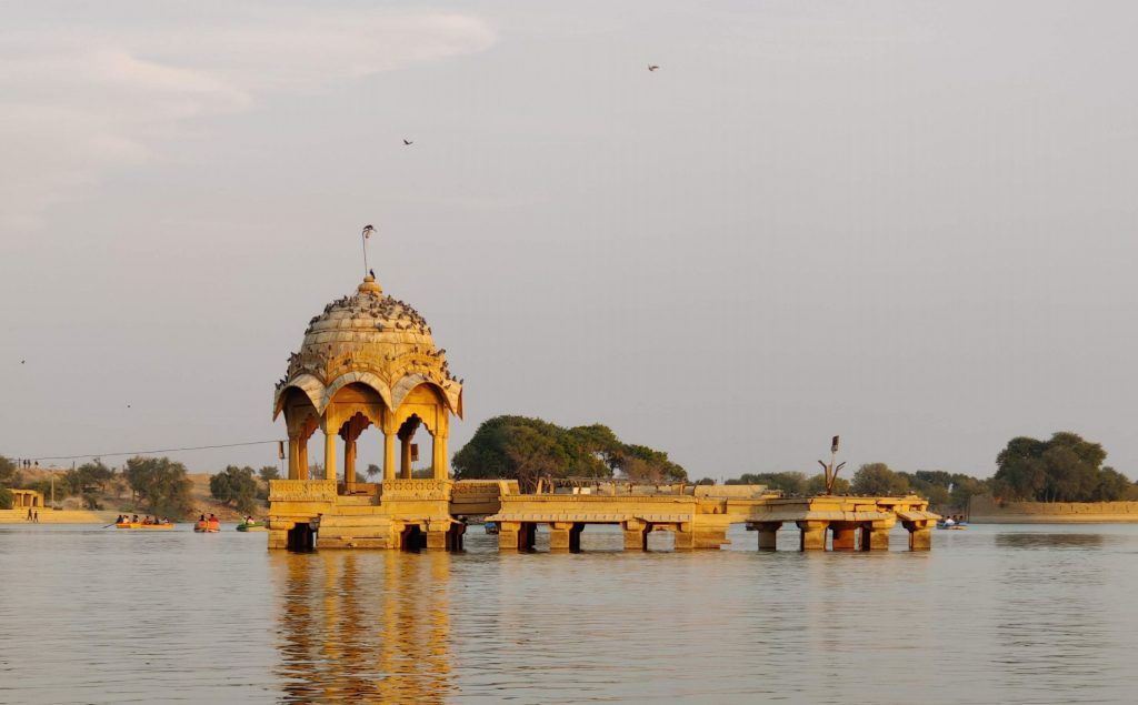 Man made Architecture at Gadisar Lake is a beautiful inclusion of Rajasthan Tourism.