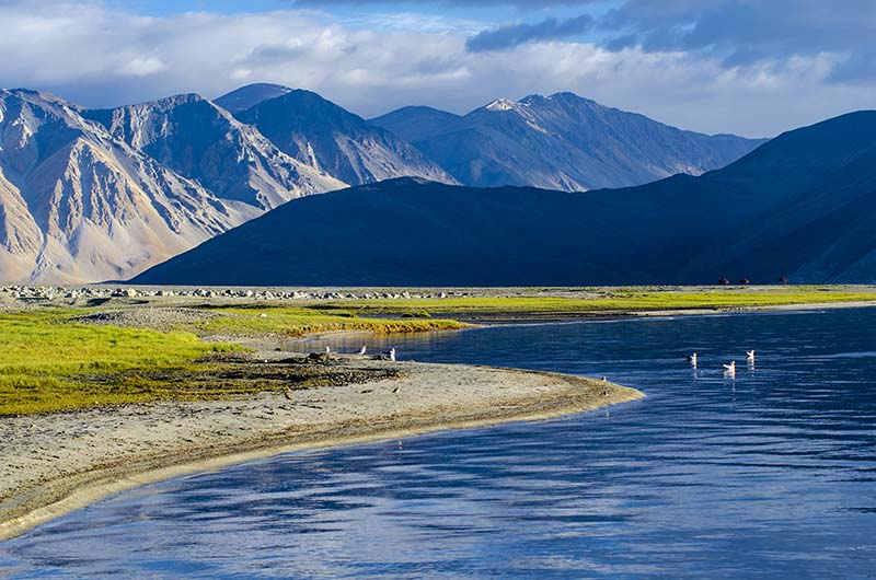 Lakes In Ladakh. Lakes of India. Best Mountain Views from the lakes.