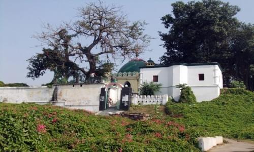 Munger Pir Shah Nufa Tomb