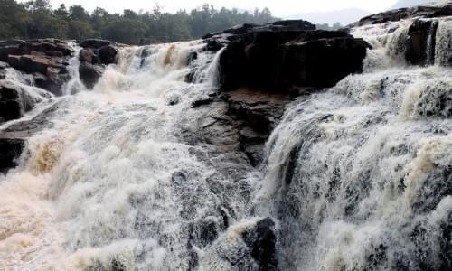 Putudi Waterfall