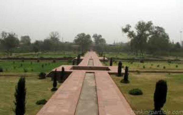 Justwravel_Agra_1465027036_1ram_baug.jpg