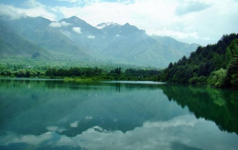 Justwravel_Baramulla_1474957148_2wular_lake.jpg