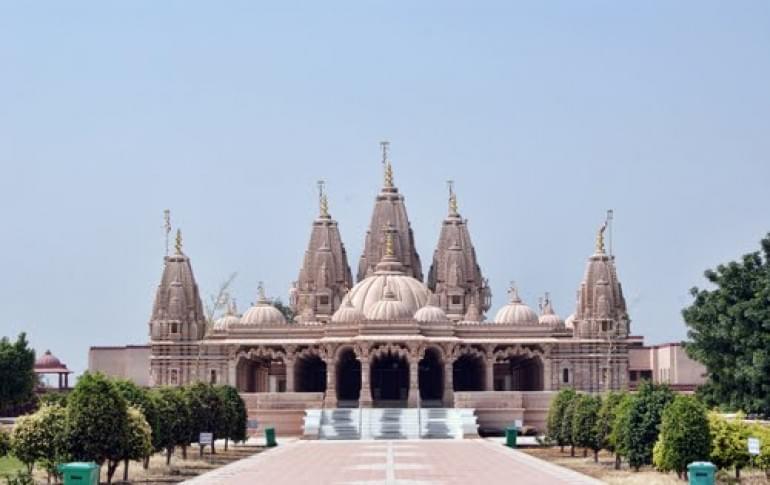 Justwravel_Bhavnagar_1483948036_0Aksharwadi_Swaminarayana_Temple.jpg