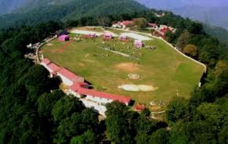Justwravel_Chail_1464105025_1chail_cricket_ground2.jpg