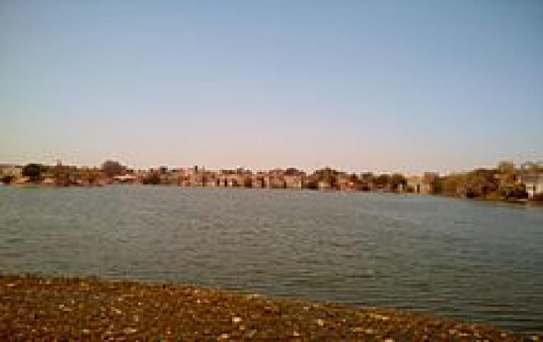 Justwravel_Godhra_1483951709_1Ramsagar_Lake_Godhra.jpg