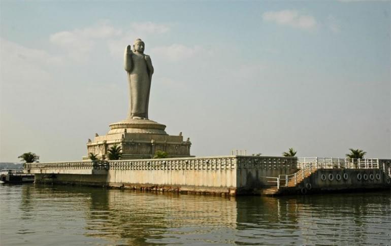 Justwravel_Hyderabad_1484032688_1hussain_sagar_lake.jpg
