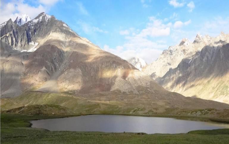 Justwravel_Kargil_1474357223_1pensila-lake.jpg