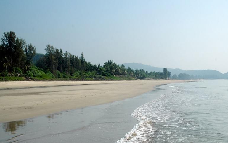 Justwravel_Kashid_1483859133_0kashid_beach.jpg