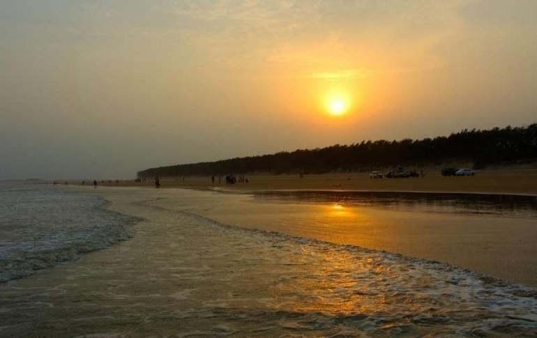 Justwravel_Midnapore_1470128026_1Shankarpur_Beach_.jpg