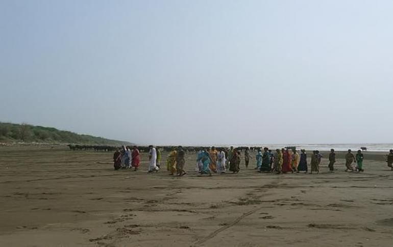Justwravel_Navsari_1483949910_1bandi_beach.jpg