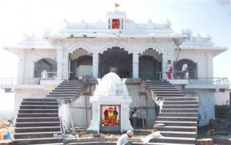 Justwravel_Salasar_1469311677_0salasar_balaji_hanuman_temple.jpg
