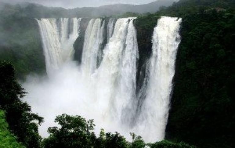 Justwravel_Satara_1483862699_0thoseghar_waterfall.jpg