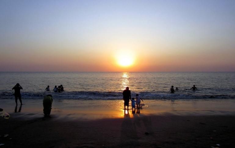 Justwravel_Surat_1483946796_0ubharat_beach.jpg