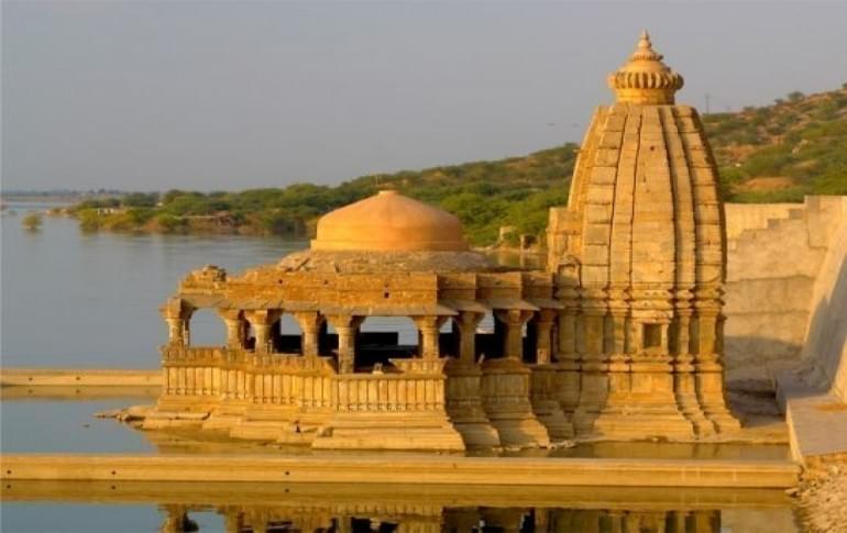 Justwravel_Tonk_1469353018_0Bisalpur_temple_new.jpg
