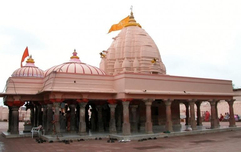 Justwravel_Ujjain_1471282591_0Chintaman_Ganesh_Temple_2.jpg