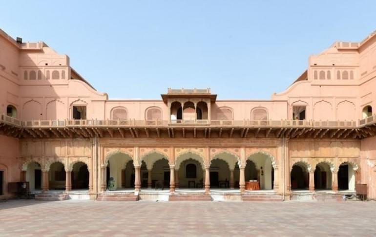 Justwravel_adventure_Faridabad_1464445721_0RAJA_NAHAR_SINGH_PALACE.jpg