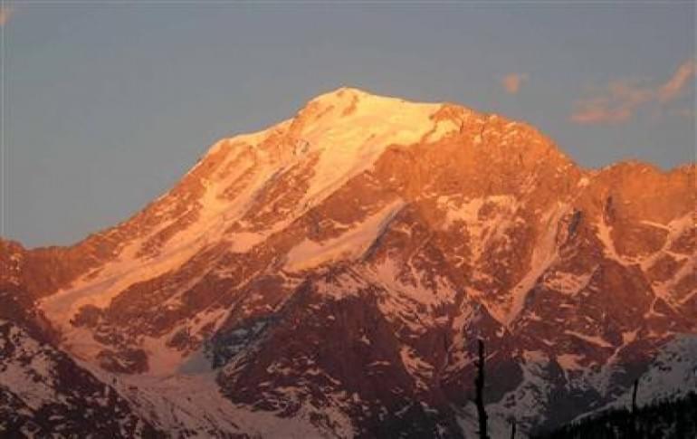 Justwravel_adventure_Kalpa_1462615618_0kinnaur_kailash2.jpg