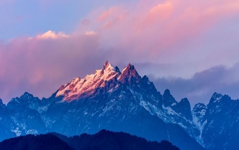 Justwravel_adventure_Pelling_1469718911_0kanchenjunga_mountain_view.jpg