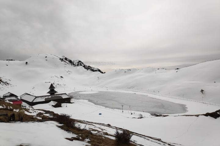 Parashar_Lake_Trek_with_JustWravel_in_Winters_(16)-0-JustWravel.jpg