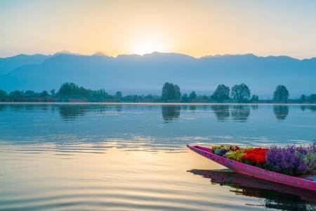 4-Nights---5-Days-Kashmir-Trip-JustWravel-1597388128.jpg - JustWravel
