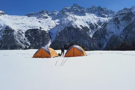 Chandranahan_Lake_Trek_Winter_Snow_Trek_-_JustWravel_(6).jpg - JustWravel