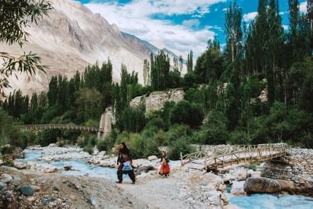 Enthralling-Leh-Ladakh-with-Turtuk-Village-Tour-Package-JustWravel-1597390193.jpg - JustWravel