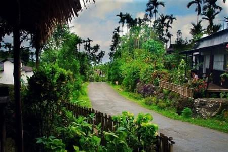 Pleasant-Meghalaya-Tour-Package-with-Asia-Cleanest-Village---Mawlynnong-JustWravel-1597390490.jpg - JustWravel