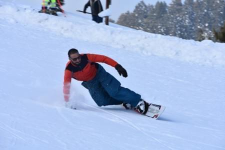 Snowboarding_and_Skiing_in_Gulmarg_Kashmir_-_Justwravel_(5).jpeg - JustWravel