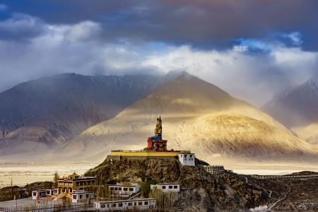 Stirring-Leh-Ladakh-with-Nubra-Tour-Package-JustWravel-1597390212.jpg - JustWravel