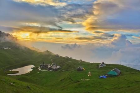 Trek-to-Parashar-Lake-JustWravel-1597385105.jpg - JustWravel