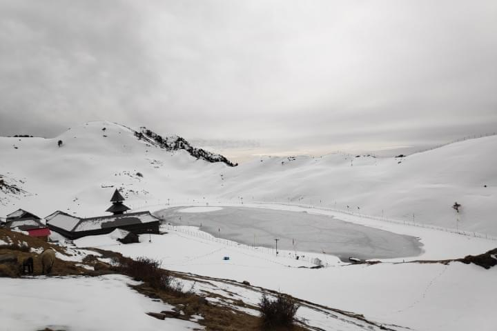 Parashar_Lake_Trek_with_JustWravel_in_Winters_(16).jpg - Justwravel