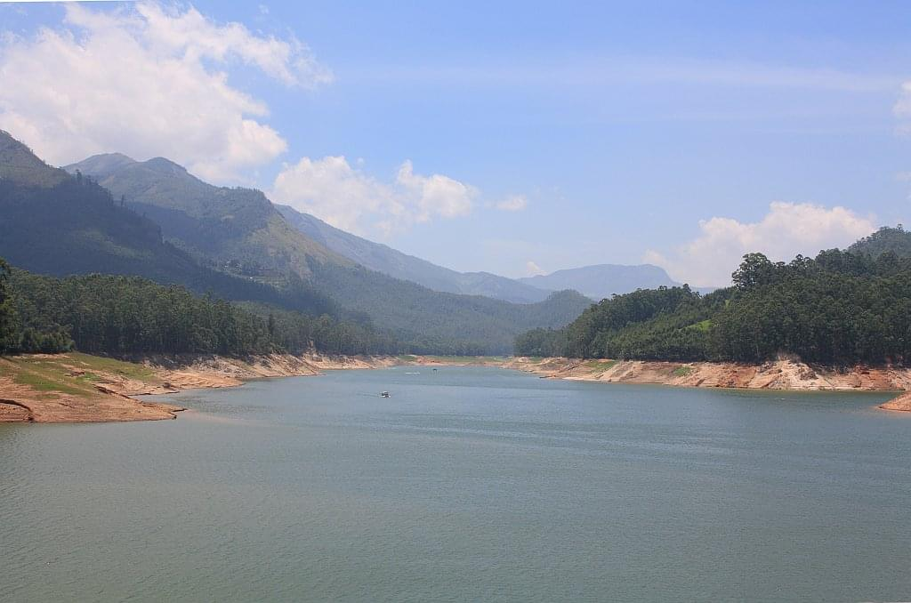 3-Night-4-Days-Munnar-and-Alleppey-Tour-Package-JustWravel-1597393529-2.jpg