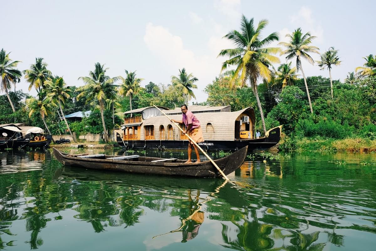 3-Night-4-Days-Munnar-and-Alleppey-Tour-Package-JustWravel-1597393529-5.jpg