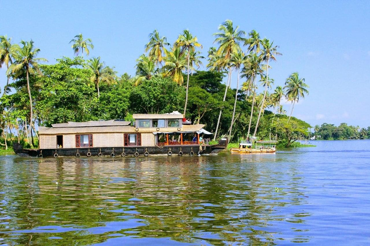 7-Night-8-Days-Kerala-Family-Tour-Package-with-Jatayu-Earth-Centre-JustWravel-1597392428-3.jpg