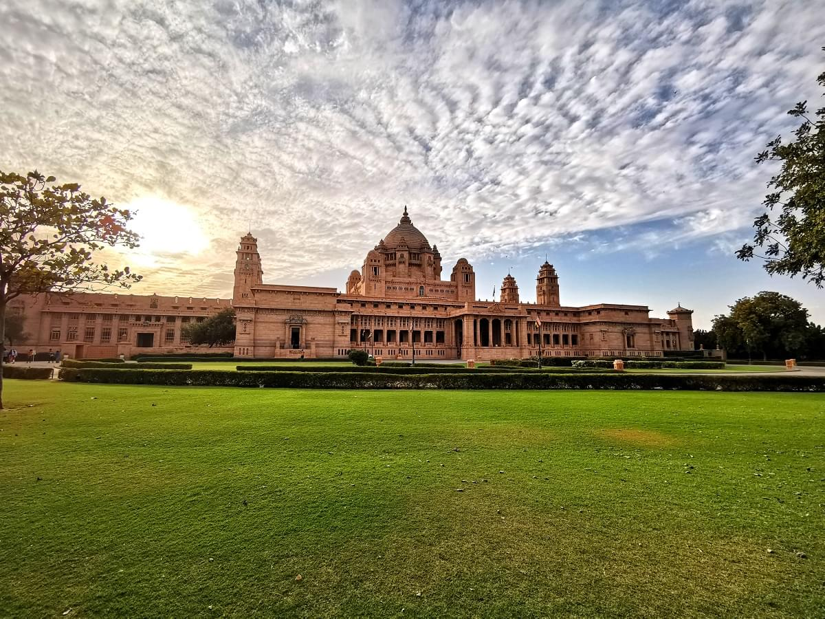 A-Remarkable-Tour-Package-of-Blue-City-&-City-of-Lakes---Udaipur-&-Jodhpur-JustWravel-1597390828-5.jpg