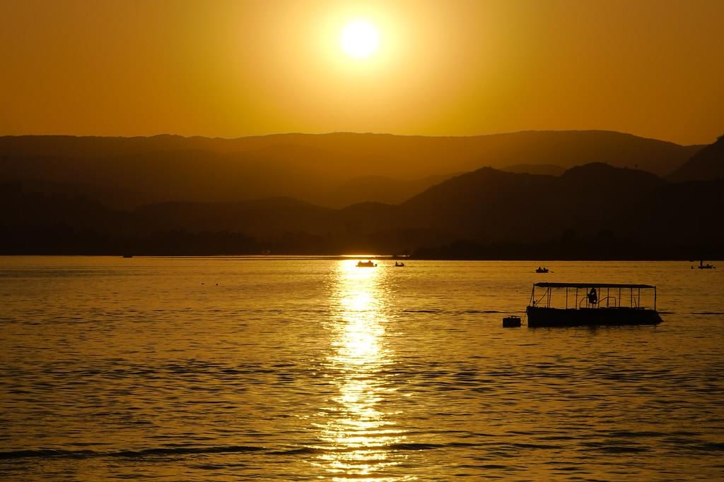 A-Tour-Package-to-City-Of-Lakes---Udaipur-JustWravel-1597390787-2.jpg