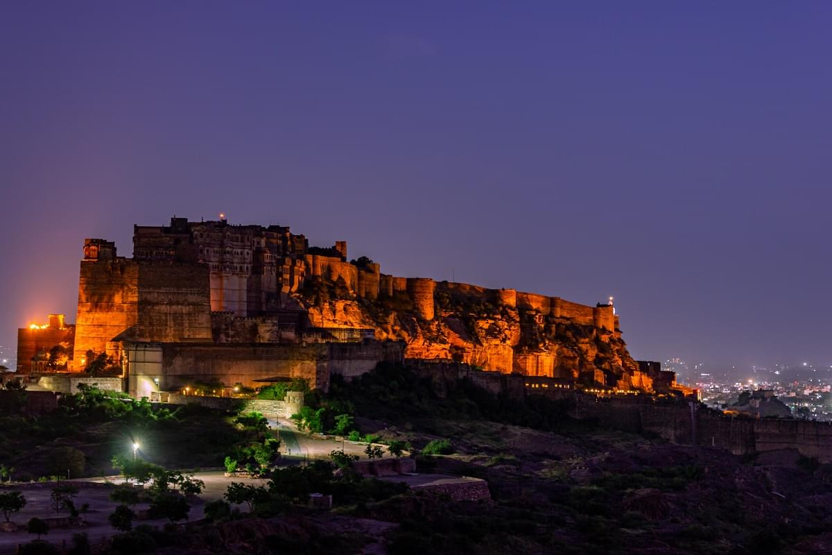 Admirable-Rajasthan-Fort-&-Palaces-Tour-Packages-JustWravel-1597391377-5.jpg