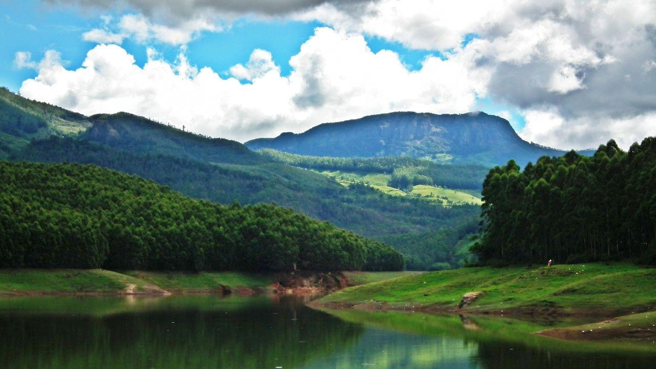 Delighted-Kerala-Tour-Package-with-Athirappilly-Water-Falls-JustWravel-1597392357-2.jpg