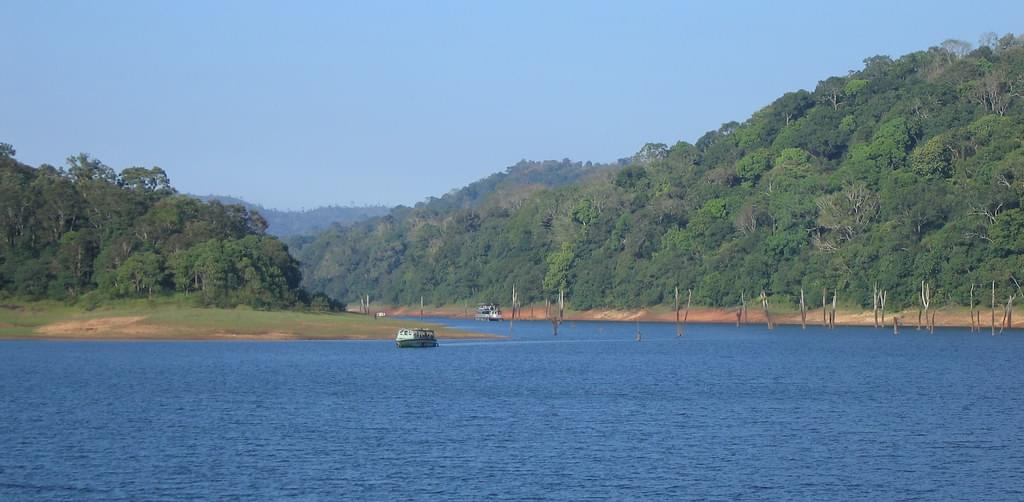 Delighted-Kerala-Tour-Package-with-Athirappilly-Water-Falls-JustWravel-1597392357-6.jpg