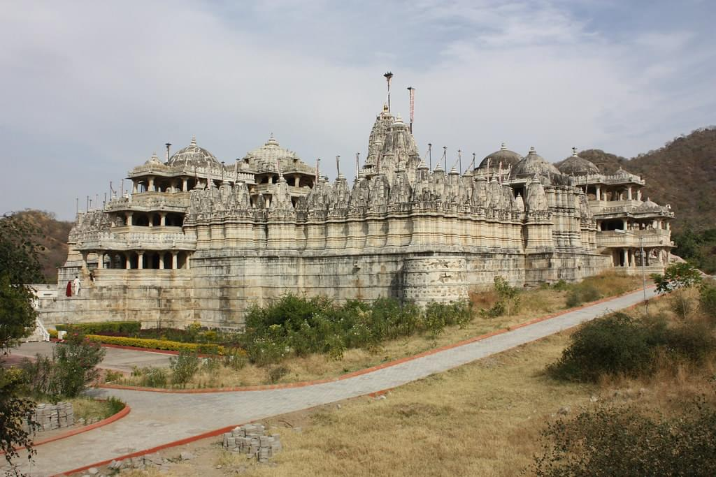 Excuisiting-Ranakapur-and-Kumbhalgarh-fort-with-Udaipur-Tour-Package-JustWravel-1597390878-3.jpg