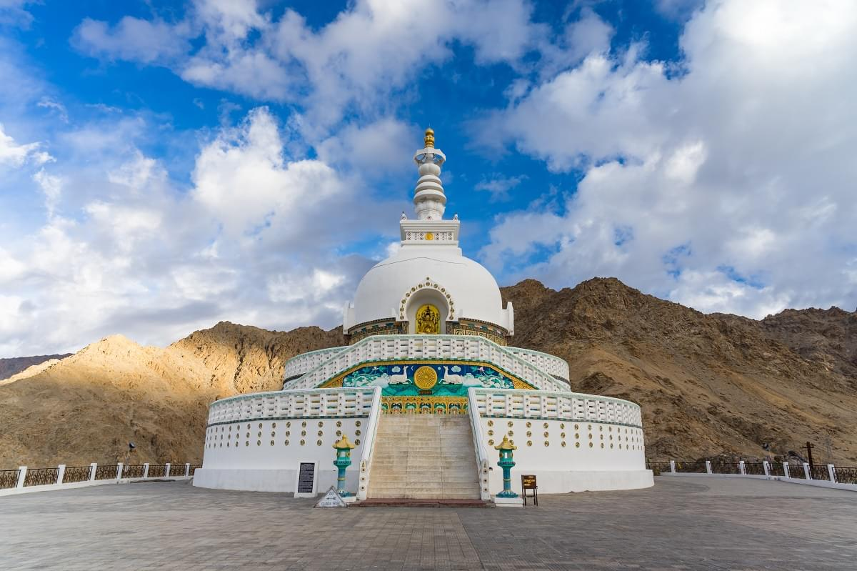 Off-beat-Ladakh-with-Hanle-Tour-Package-JustWravel-1597390258-4.jpg