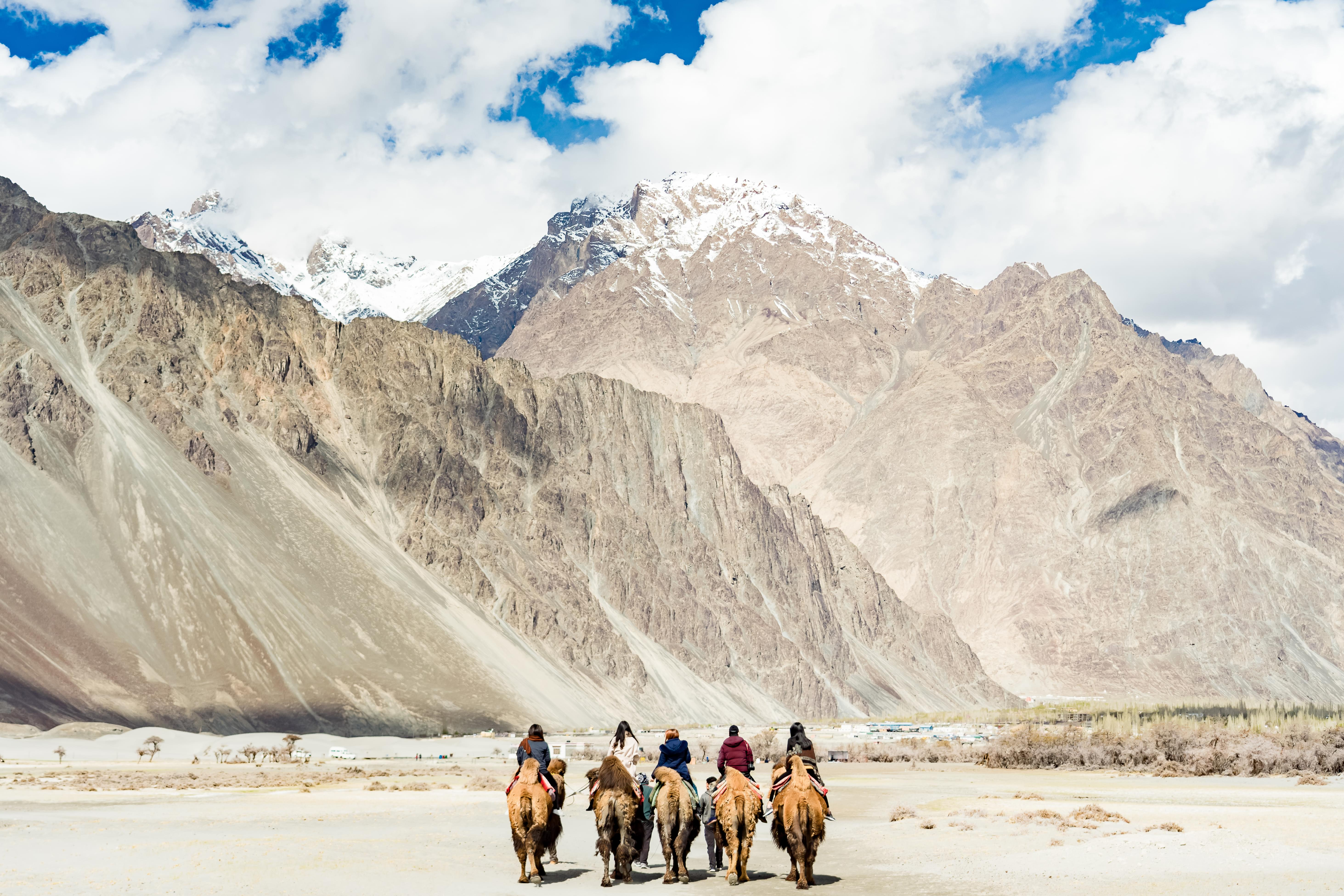 Off-beat-Ladakh-with-Hanle-Tour-Package-JustWravel-1597390258-8.jpg