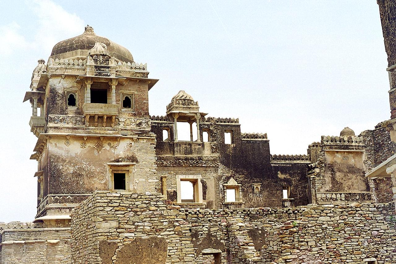 Royal-Tour-Package-of-Chittorgarh-and-Udaipur-JustWravel-1597390678-5.jpg