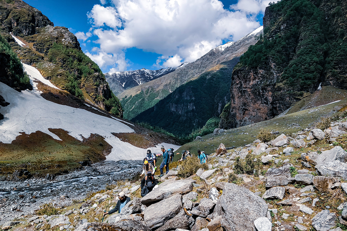 Way To Dhandras Thach / Rupin Pass/Captured in June
