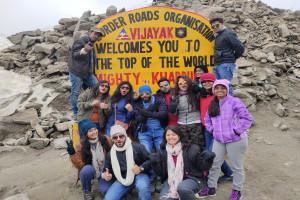 Group at Khardungla Pass